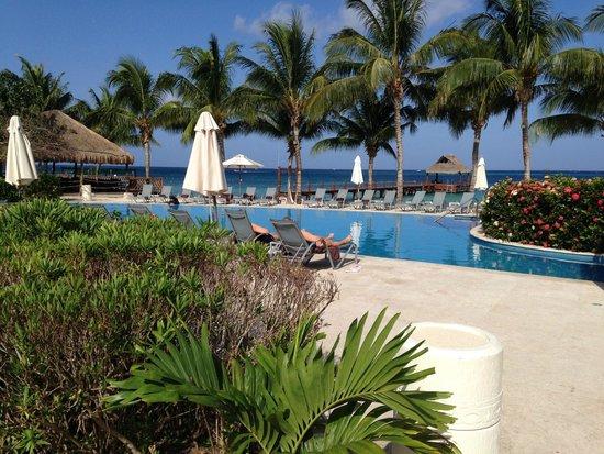 Secrets Aura Cozumel: Great Pool/Lazy River!
