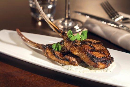 Chopps American Bar and Grill: Lamb Chops
