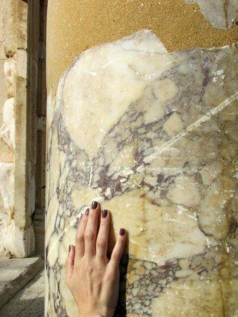 Vieille ville d'Éphèse : Mármore por todo lado