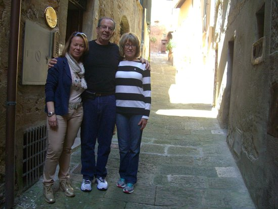 B&B Vicolo dell'Oste: Kathy with Giuseppe and Luisa