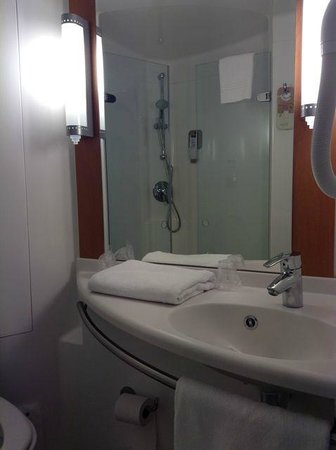 ibis Sarlat : Bathroom Room 222