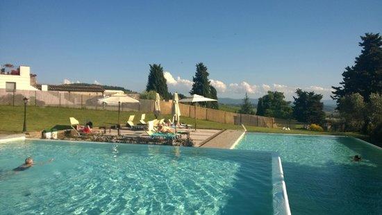 Villa San Filippo Resort: les piscines ( deux sur trois)