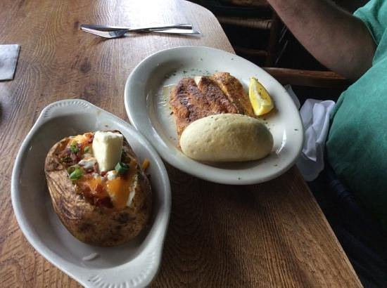 Felix's Fish Camp Grill: Grilled fish and baked potatoe...