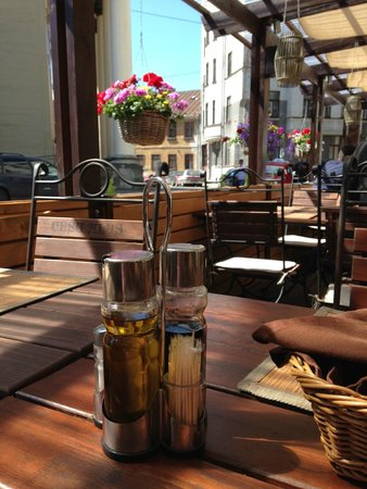 Hanza Hotel : Very good terrace restaurant
