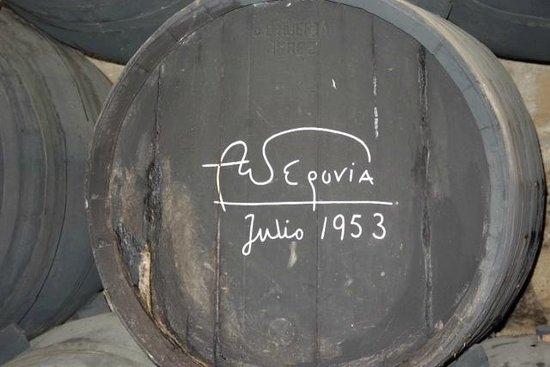 Bodegas Tío Pepe: Andre Segovia signed barrel