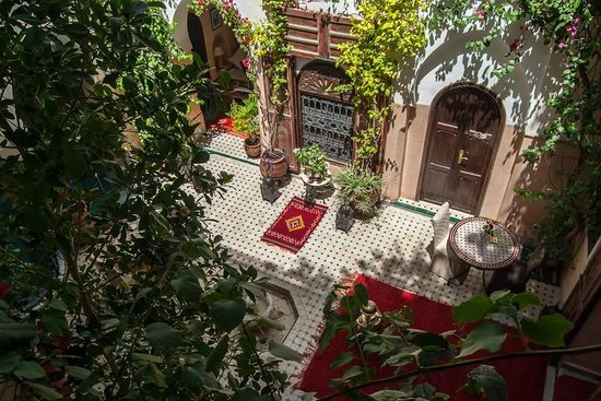 Riad Anabel: central courtyard