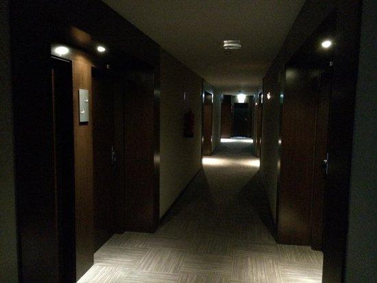AC Hotel Gijón: Pasillo habitaciones