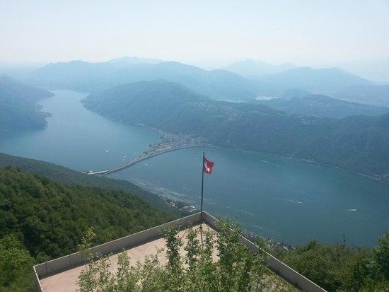 Belvedere della Sighignola: il ponte di Melide sul lago di Lugano