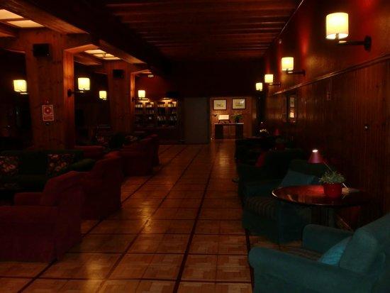 Hotel Manantial: Sala de lecturas y juegos