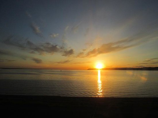 Semiahmoo Golf & Country Club: sunset at semiahmoo