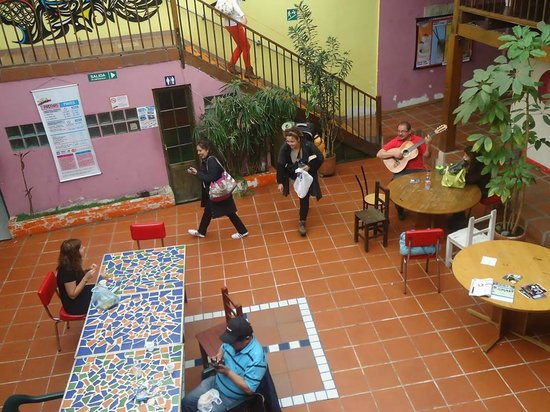 Hostal Fatima: Paseando por el patio jiji