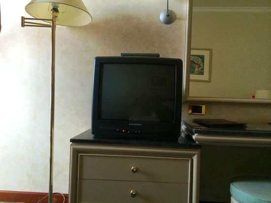 Rodos Palace: bedroom TV
