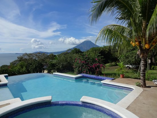 La Omaja Hotel and Restaurant: Pool with a View!