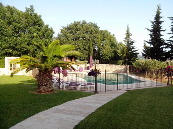 Le Clos de Pradines: la piscine