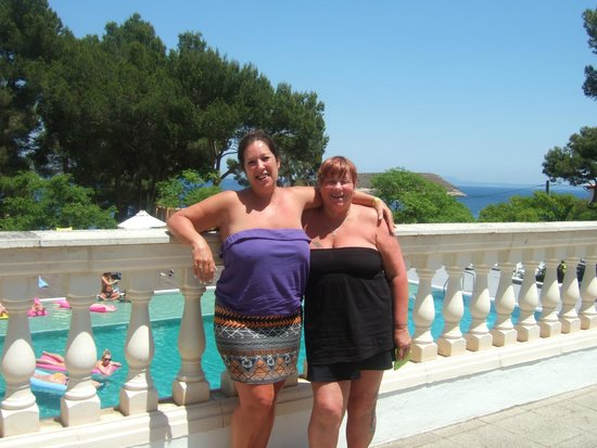 FERGUS Pax: Me & my friend on terrace