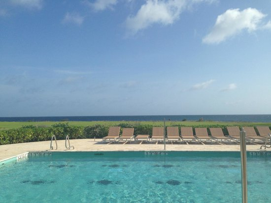 Santa Barbara Beach & Golf Resort, Curacao: View from private pool Sea Traditions Room