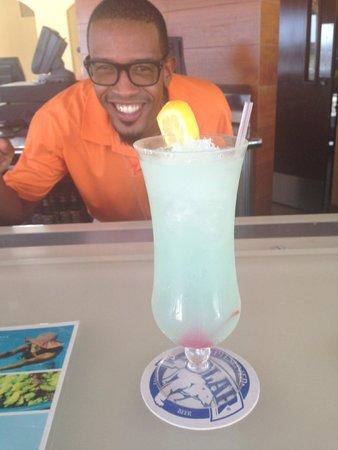 Santa Barbara Beach & Golf Resort, Curacao: Marvin the mixologist