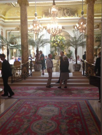 The Ritz London : Entrance