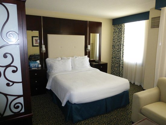 Residence Inn San Diego Downtown/Gaslamp Quarter: Bed