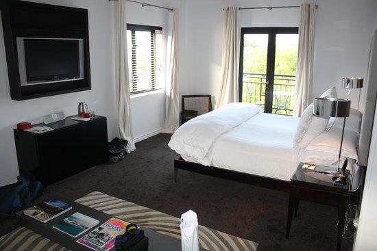 Kensington Place: Our beautiful room
