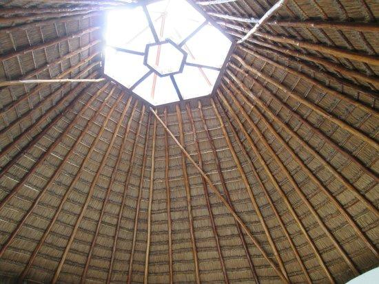 Hacienda Pavoreal: palapa muy hermosa obra de ingenieria