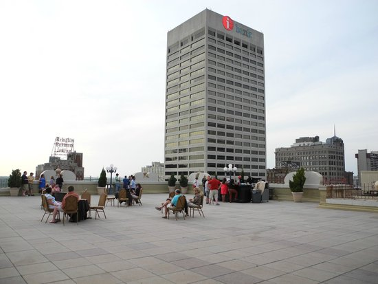 The Peabody Memphis: On the rooftop