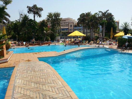 Park Club Europe Hotel: grande piscine