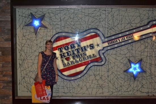 Toby Keith's I Love This Bar & Grill : amazing place to eat!