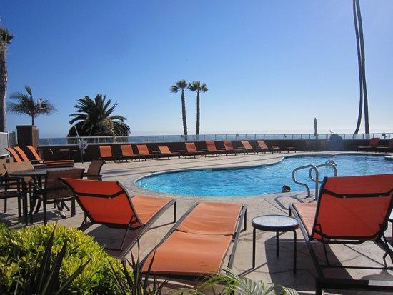 SeaCrest OceanFront Hotel: pool