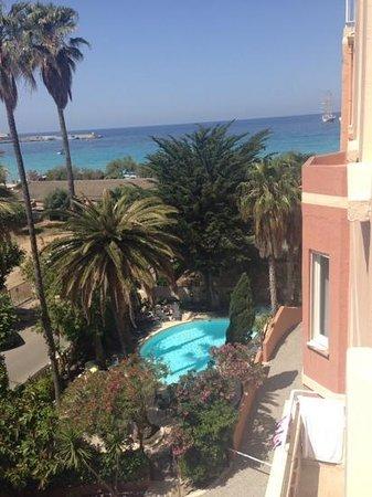 Hotel Splendid : piscine vue de notre chambre