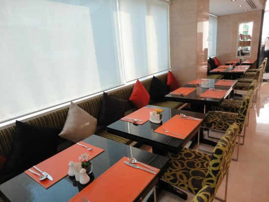 SilQ Bangkok : Sala colazione