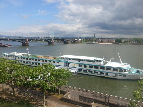 Hilton Mainz: View from room