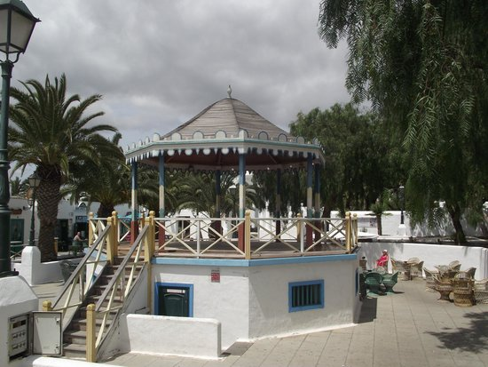 Nazaret Apartamentos: The bandstand in the Plaza