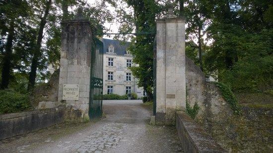 Chateau de Villeray : Entrée au château