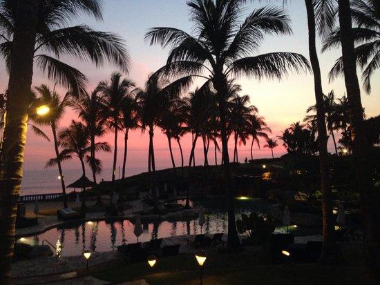 Pan Pacific Nirwana Bali Resort: Dinner at pool grill