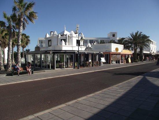 Nazaret Apartamentos: The Casa Blanca Restaurant