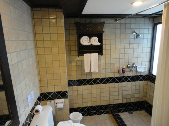 Raming Lodge Hotel & Spa: Bagno