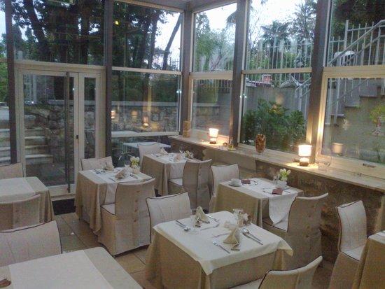 Hotel Villa Eugenia : stanza colazione