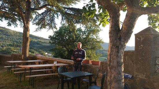La Locanda degli Gnomi: Andreas wartet aufs Essen☺