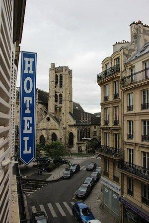 Hotel de Roubaix : вид из окна