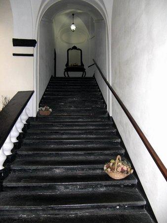 Palazzo Fieschi: scalinata