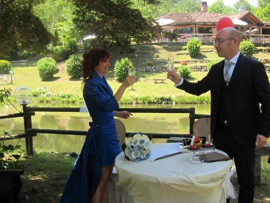 Il Laghetto della Gelata: Brindisi degli sposi