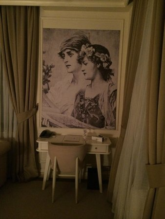 Galata Antique Hotel: dressing table