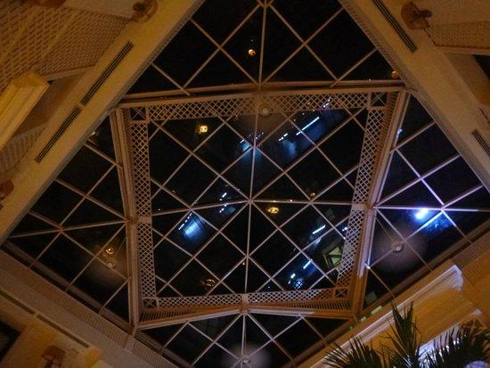Hotel Saratoga: techo del bar