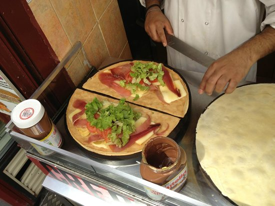 Chez Nicos : prosciutto,insalata,raclette,cipolla,pomodoro,patate....