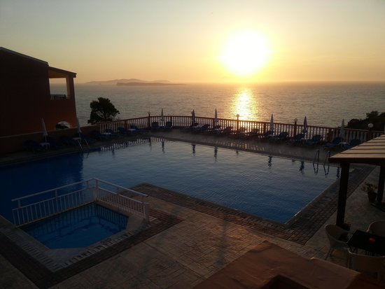 Romanza Hotel: View from the pool