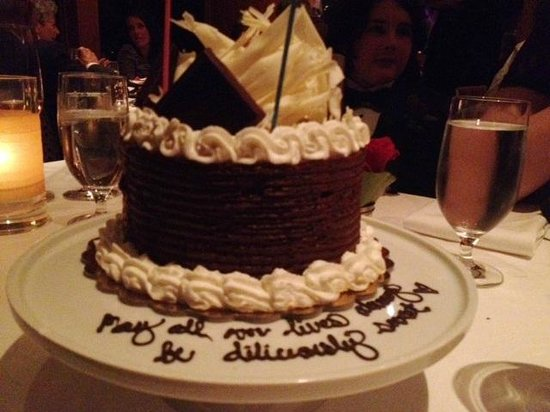 Restaurant Gary Danko: Our little wedding cake they prepared