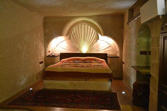 MDC Hotel: Room 402