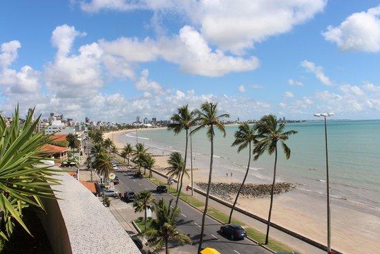 Verdegreen Hotel: Vista da praia / Terraço