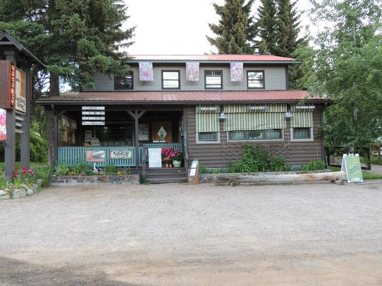Laughing Horse Lodge : Front of the Lodge